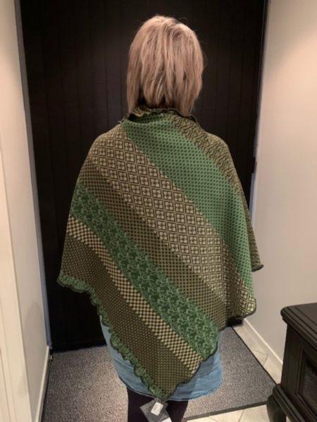 tykt merino uld sjal i grønne farver