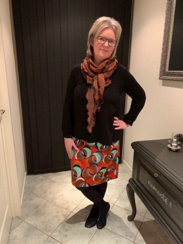 Aneta nederdel fra du Milde i multifarvet og med store cirkler