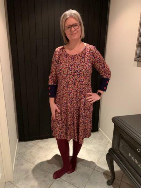Multifarvet nederdel i print med cirkler fra du Milde