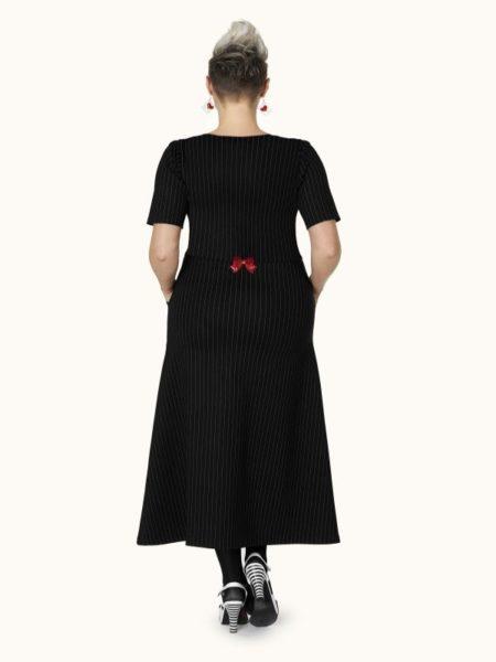 lang sort kjole fra margot