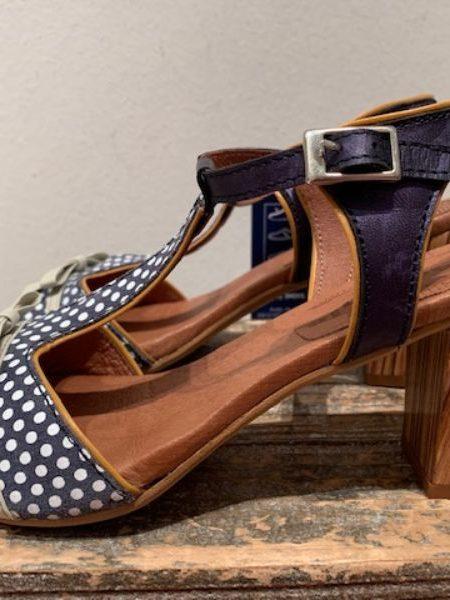 blå sandal i skind fra Nemonic