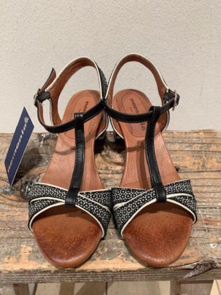 sort sandal med 5,5 cm hæl