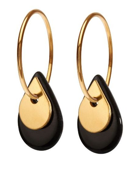 Forgyldt øreringe med sort og forgyldt porcelænsvedhæng