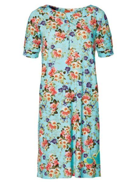 flot lyseblå oversize kjole med sommerblomster