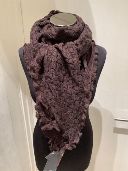Brunt strikket tørklæde i merino uld