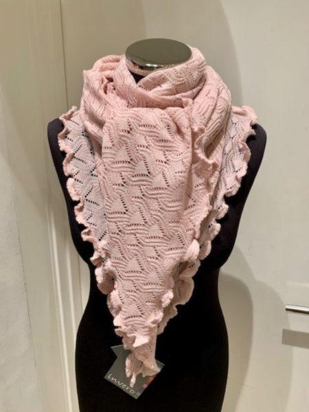 Perlefarvet striktørklæde i merino uld.