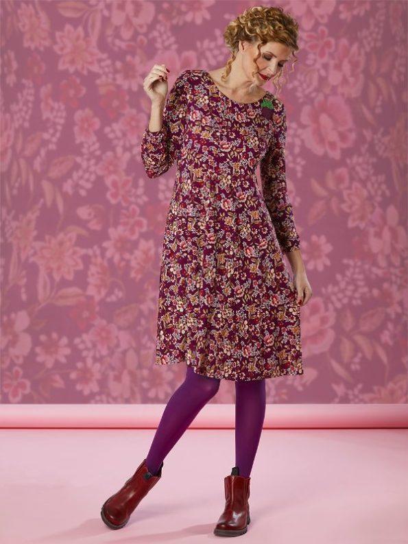 Flot lilla printet kjole i a facon med skørt