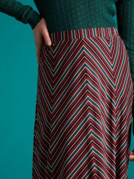 Knælang nederdel med vidde