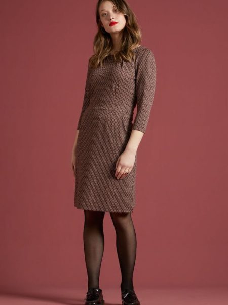 Flot krosnær kjole i efterårsfarver