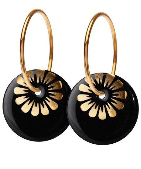 Store sorte porcelænsøreringe med guldring