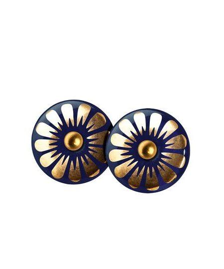 smukke midnatsblå porcelænssmykker på guldnål