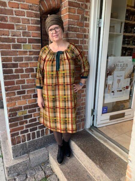 Skotskternet oversize kjole