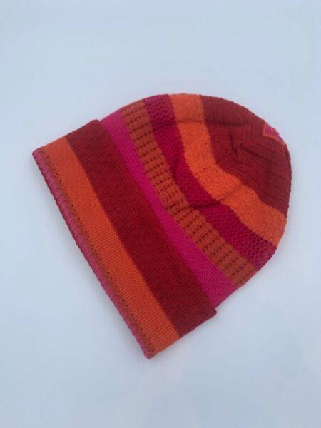 Hue i merino uld i orange og pink farver