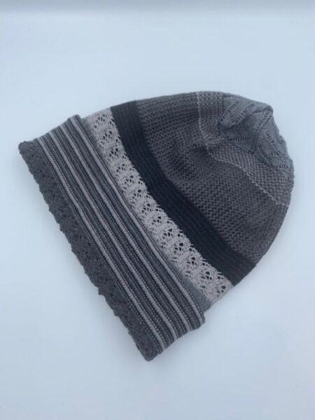 Hue i merino uld i grå farver