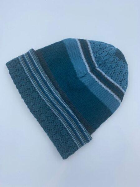 Hue i merino uld i kolde blå farver