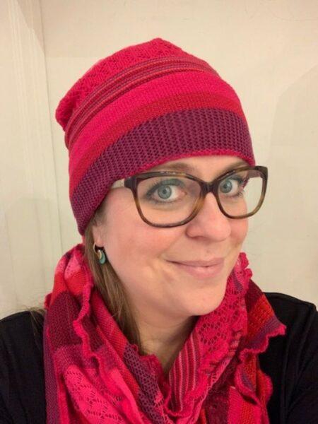 hue og tørklæde i merino uld i pink farver