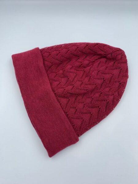 Hindbær farvet hue i merino uld