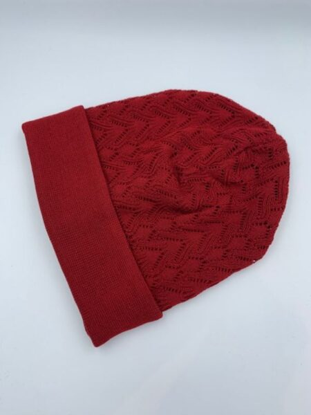 Mørkerød hue i merino uld
