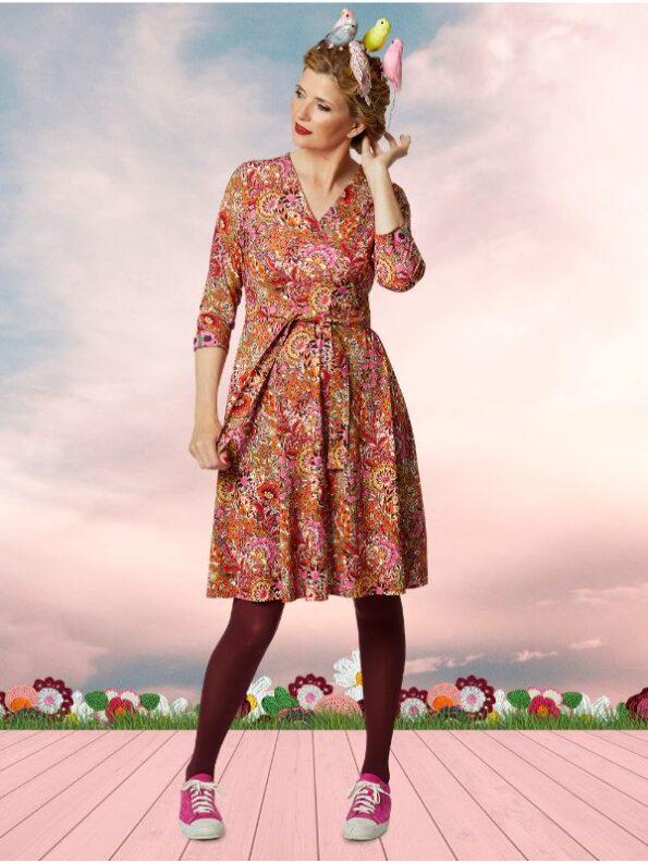 Flot kjole med swing i skørtet