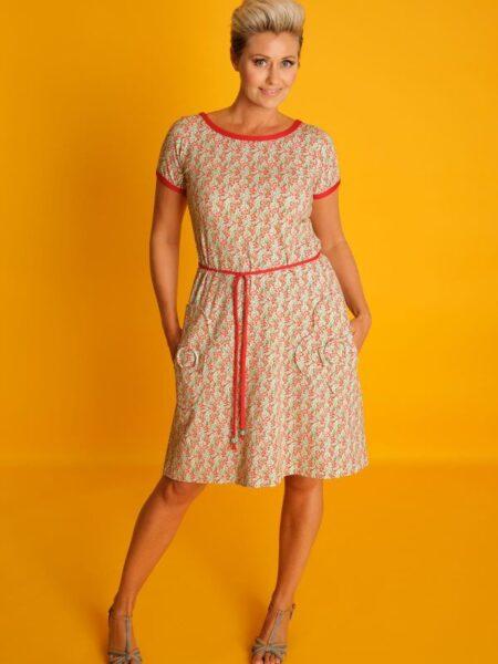 småblomstret lys kjole